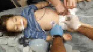 Suriyeli üvey anne minik bebeği döverek komaya soktu