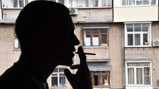 Balkondan sigara dumanı üfleyene para cezası