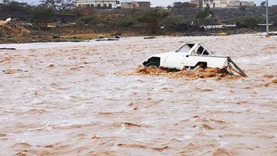 Suudi Arabistan'ı sel vurdu: 7 ölü, 11 yaralı