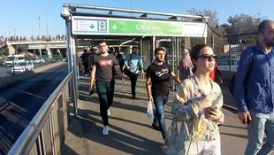 Altunizade metrobüs durağı rahatladı, Zincirlikuyu tıkandı
