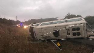 Maden işçilerini taşıyan minibüs devrildi: 15 yaralı
