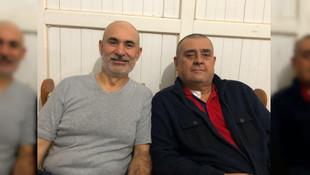 Kanser hastası arkadaşı için saçlarını kestirdi