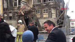 Üsküdar'da binada çökme ! Ekipler alarma geçti