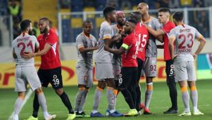 Gençlerbirliği - Galatasaray maçını karıştıran iki pozisyon! Kırmızı kart ve penaltı