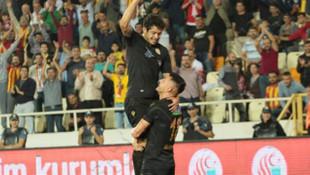 Guilherme hazırlıyor, Jahovic atıyor