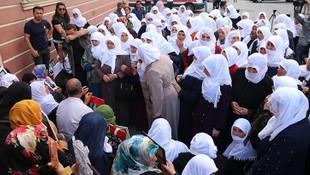 Ağrılı annelerden Diyarbakır annelere destek