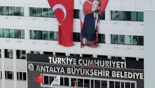 ''Sözde FETÖ uzmanı''na Ankara Büyükşehir Belediyesi'nden 270 bin TL maaş!