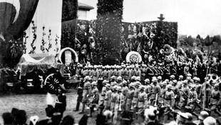 10 Kasım 1938'de Atatürk'ün vefatında yayınlanan fotoğraflar