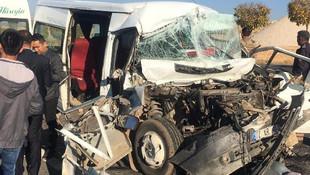 Mardin'de öğrenci servisi kaza yaptı: Çok sayıda yaralı var