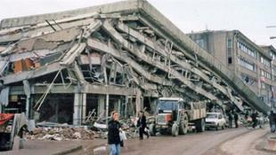 Üzerinden 20 yıl geçti ama... Depremin izlerini silemedik!