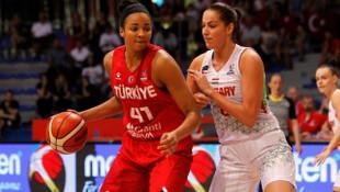 A Milli Kadın Basketbol Takımı'nda Kiah Stokes kadrodan çıkartıldı