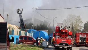 Tuzla'da fabrikada yangın; çevredeki okullar boşaltıldı