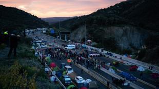 Katalanlara İspanyol ve Fransız polislinden operasyon