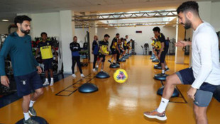 Fenerbahçe'de Vedat Muriqi'nin tedavisine başlandı