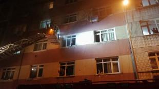 Bahçelievler'de yangın! Apartman sakinleri mahsur kaldı