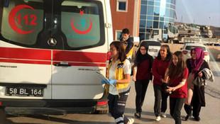 17 öğrenci 1 öğretmen hastaneye kaldırıldı