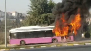 Özel Halk Otobüsü'nde yangın! Bir anda alevler içinde kaldı