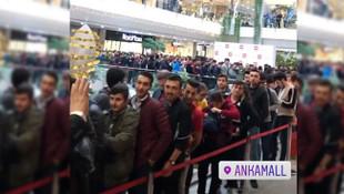 Xiaomi'nin Ankara mağza açılışında izdiham