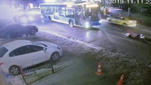 İstanbul'da halk otobüsü dehşeti ! Turist çift metrelerce ileriye savruldu