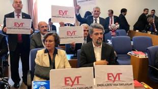 Bütçe görüşmelerinde EYT protestosu