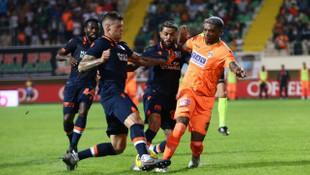 Alanyaspor 0 - 0 Başakşehir
