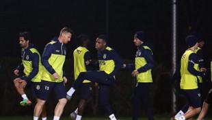 Fenerbahçe'de Vedat Muriç ve Kruse takımdan ayrı çalıştı