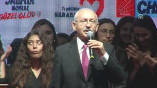 ''Erdoğan'ı indireceğiz'' diyen Kılıçdaroğlu'nun arkasındaki kız olay oldu