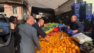 CHP'li Gürsel Tekin İstanbul'da pazara çıktı