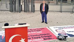 AİHM önünde ''Erdoğan diplomasız cumhurbaşkanı'' eylemi