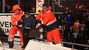 Ege'de 11'i çocuk 20 sığınmacı daha kurtarıldı