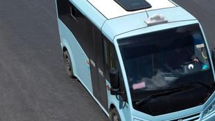 Bu minibüse binen, nereye baksa Atatürk'ü görüyor