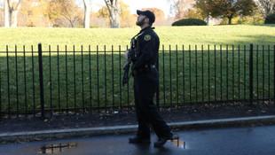 Beyaz Saray'da alarm ! Giriş çıkışlar kapatıldı
