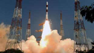 Uzaya tek roketle 14 uydu daha gönderildi