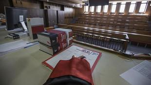 6 milyon TL'lik zimmet davasında savcılığı suçladı