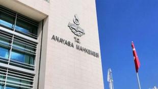 AYM'den üniversitede afiş asan iki öğrenci için ''ihlal'' kararı