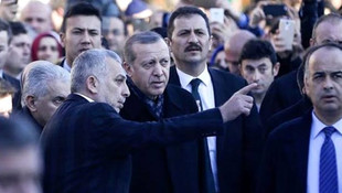 Erdoğan'a yakın isimden dikkat çeken tweet: Eleştirdiklerine benzedin