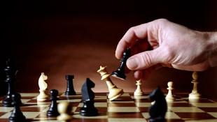 Devlet baba satranç oynamak isteyen çocuklardan sağlık raporu istedi