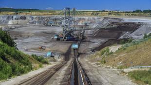 Maden ocağında patlama: 30'a yakın işçi mahsur kaldı!