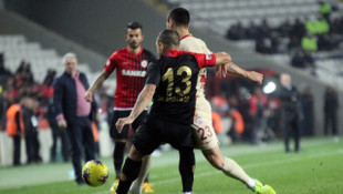Gaziantep FK - Galatasaray maçında Florin Andone sakatlandı!