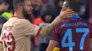Trabzonspor - Galatasaray maçında tartışma yaratan pozisyon!