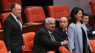 MHP'li Semih Yalçın'ın HDP'li Pervin Buldan'a bakışı dikkat çekti