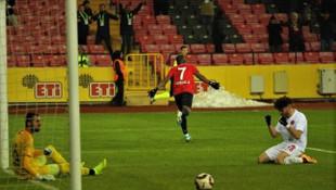 Galatasaray ve Fenerbahçe Jesse Sekidika'nın peşinde!