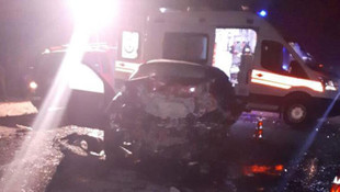 İki otomobil çarpıştı: 4 ölü