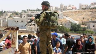 İsrail 11 Filistinli gözaltına aldı