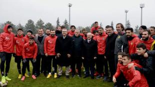 Coşkun Demirbakan: Mustafa Denizli'yi bu takıma getirmeyin