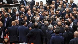Meclis'te bağış parası kavgası ! Vekiller birbirne girdi