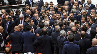 Meclis'te bağış parası kavgası ! Vekiller birbirine girdi