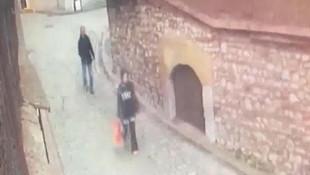 İstanbul'da sokak ortasında sapık dehşeti ! Kadının çığlıklarına koştular