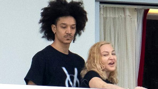 Madonna balkonda fena yakalandı