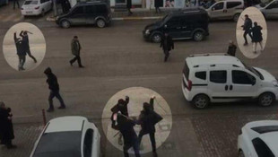 Cadde ortasında birbirlerine saldırdılar !